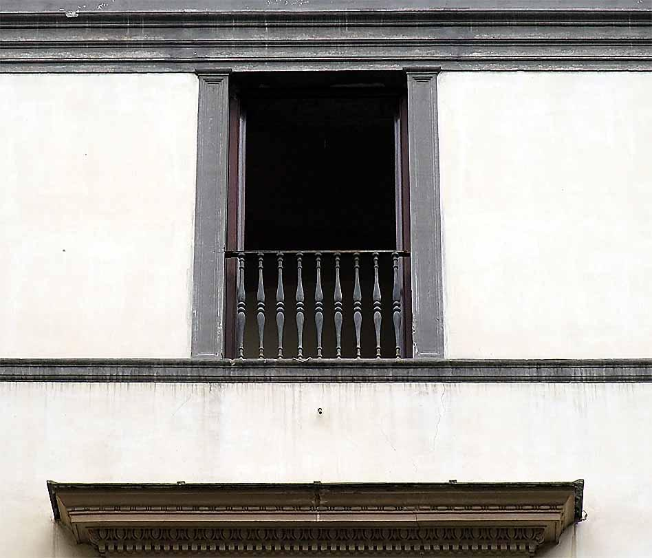Glossary b glossary of window and related terms for Inward opening french doors